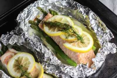 Greek Salmon Packets with Asparagus